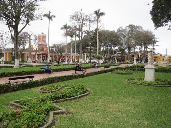 Barranco: Main Square
