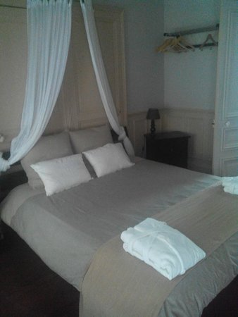 Les Epicuriens - chambres d'hotes: La chambre