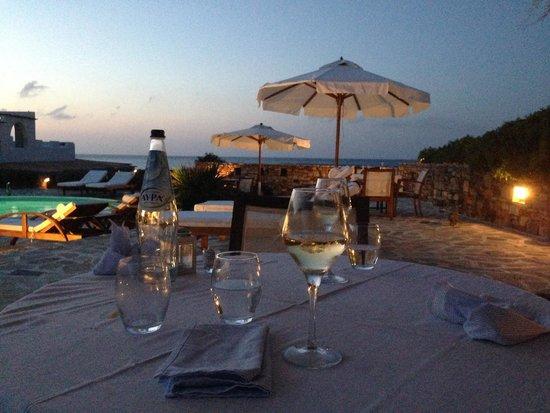 Villa Marandi Luxury Suites: Abendstimmung
