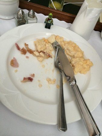 Millennium & Copthorne Hotels at Chelsea Football Club : Breakfast? Eggs? No!