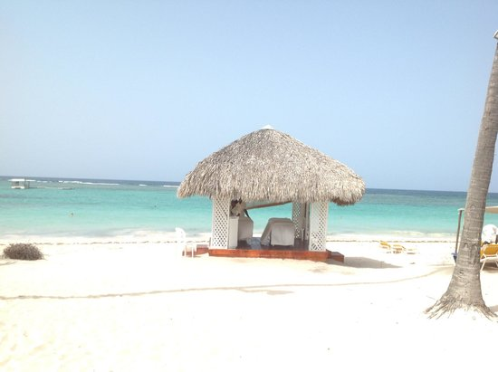 Ocean Blue & Sand: want a massage at this beach hut? Book your holiday!!  It's so beautiful!