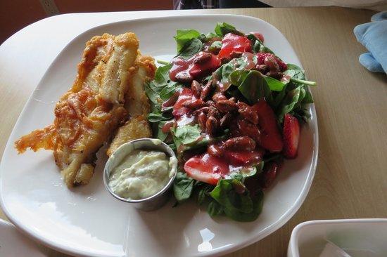Dancing Moose Cafe: 白魚+菠菜沙拉