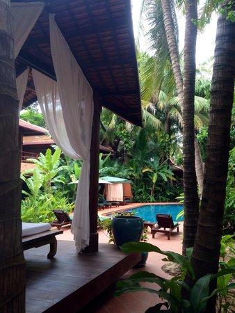 Angkor Village Hotel : Pool