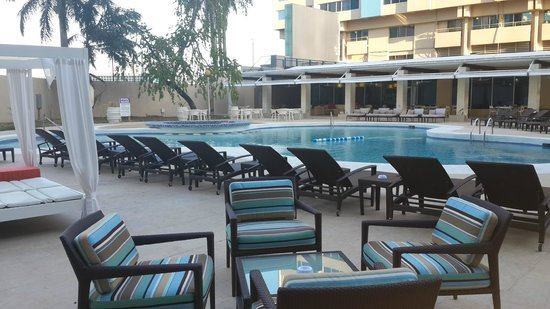 Radisson Hotel Trinidad : Rennovated outer pool area