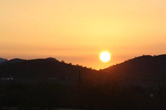 Rainbow Ryders, Inc. Hot Air Balloon Company : Sunrise Over Phoenix