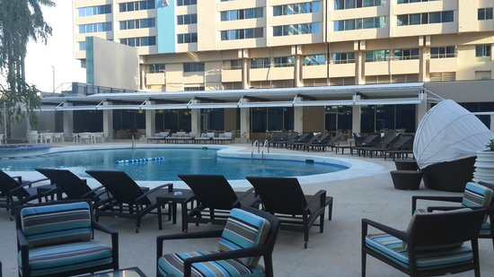 Radisson Hotel Trinidad: Outdoor pool