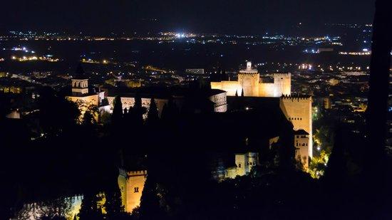 Play Granada : Blick auf die Alhambra aus ungewohnter Perspektive