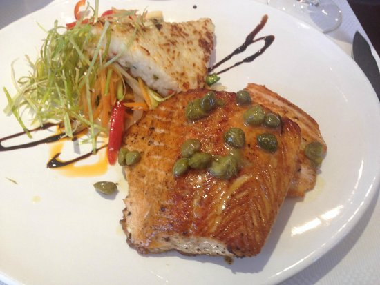 RESTAURANT FRANCIS: Salmon in a meuniere sauce with capers
