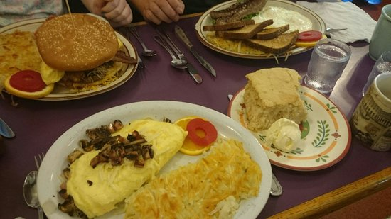 Laurie's Breakfast Cafe: Huge breakfast,  came here after reading reviews and weren't disappointed. Nice change from fran