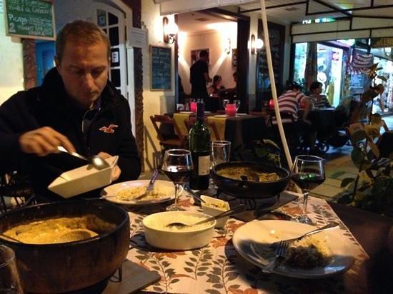 Taverne 67: feijoada de frutos do mar e strogonoff deliciosos!