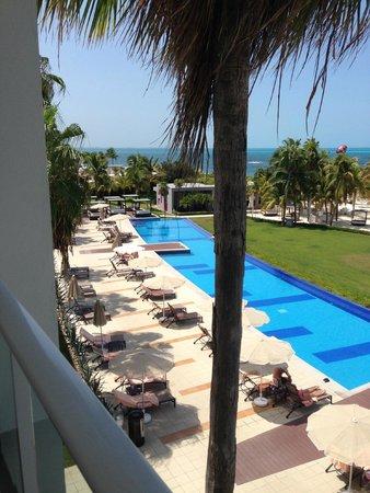 Hotel Riu Palace Peninsula: View of villas' private pool