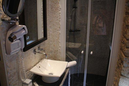 Hostellerie le Marechal: Baño