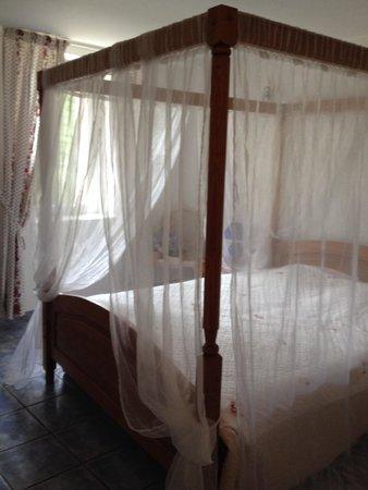 La Bastide des Monges : Chambre vue sur jardin