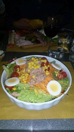 Trattoria Bar Christian: Insalatona mista e antipasto misto salumi e formaggi