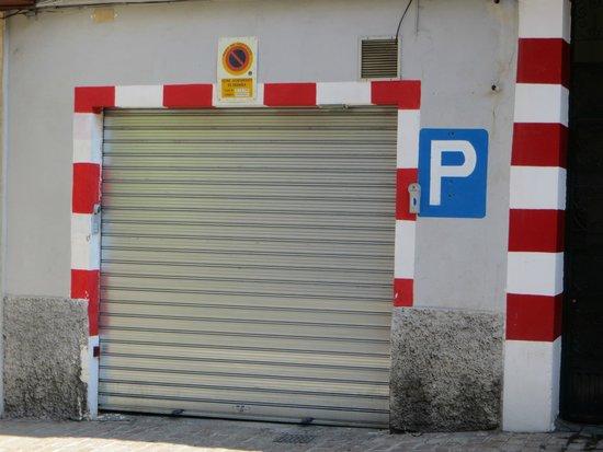 Marquis Portago : PRIVATE CAR PARK WAS CLOSED