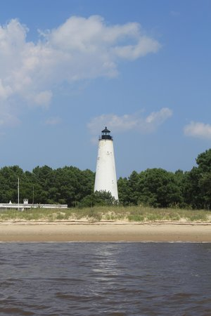 Rover Boat Tours - Carolina Rover: Lighthouse in passing.
