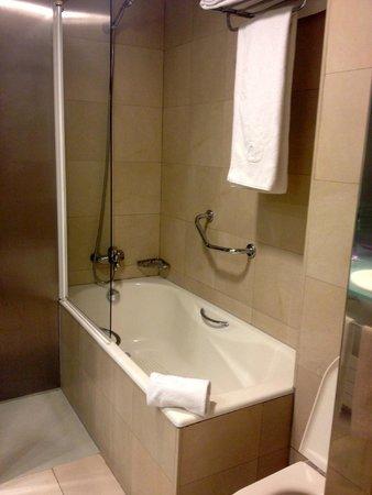 Ayre Hotel Caspe : Bagno