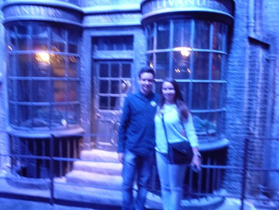 Warner Bros. Studio Tour London - The Making of Harry Potter: The not so small Harry Potter fans
