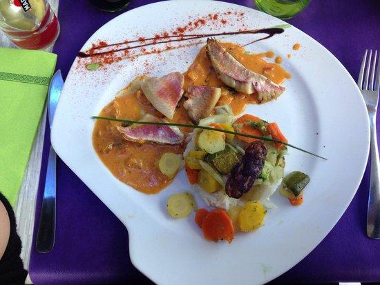 Le Restaurant Du Port : Filets de rougets sur sauce aux poivrons