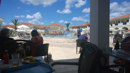 Marelen Hotel: View of the main pool
