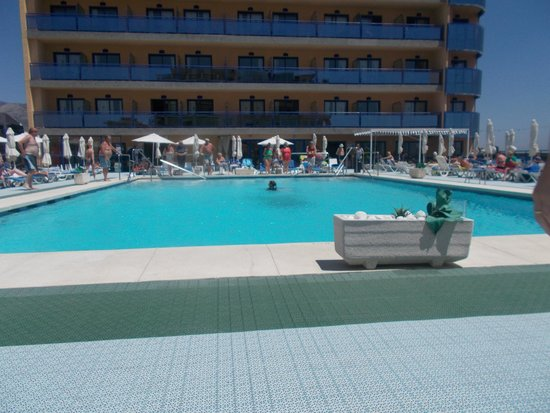 Yaramar Hotel: The pool