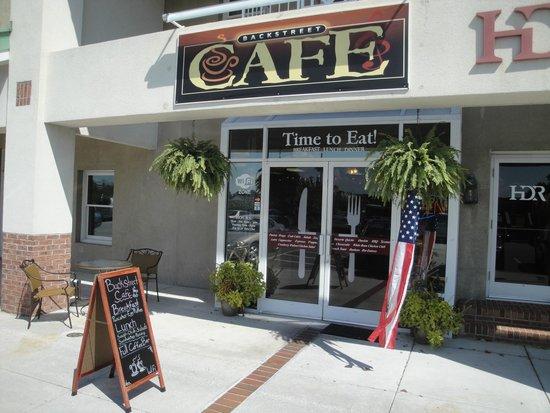 Backstreet Cafe : Outside seating