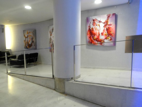 Ayre Hotel Caspe: Bar