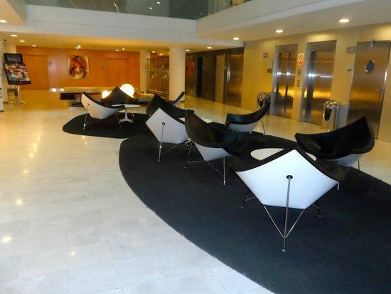 Ayre Hotel Caspe: Hall