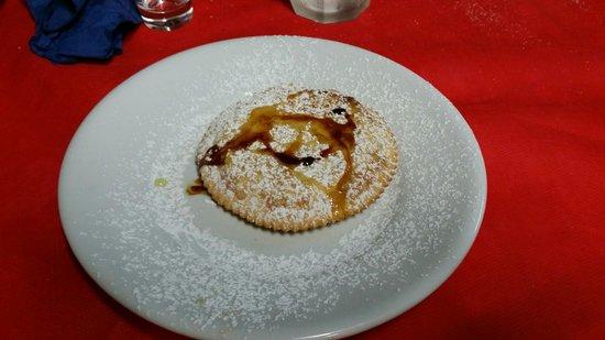 Tanca 'e Gaia: Seadas di ricotta con miele e zucchero a velo