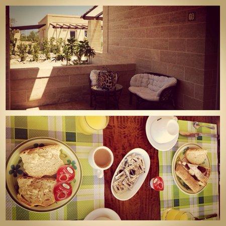 Hotel Sowi : Il patio della nostra camera e la colazione