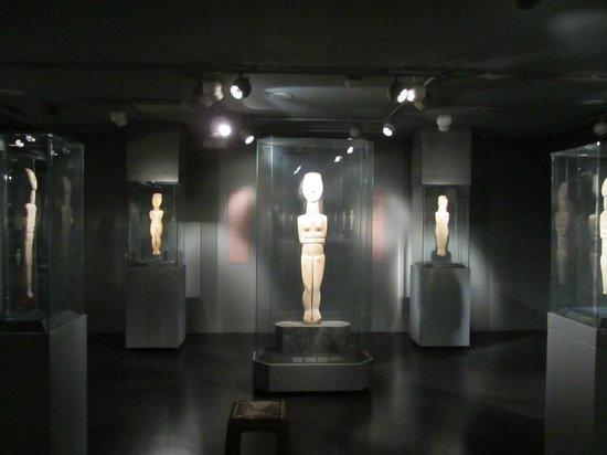 Musée d'art cycladique : Зал кикладского искусства