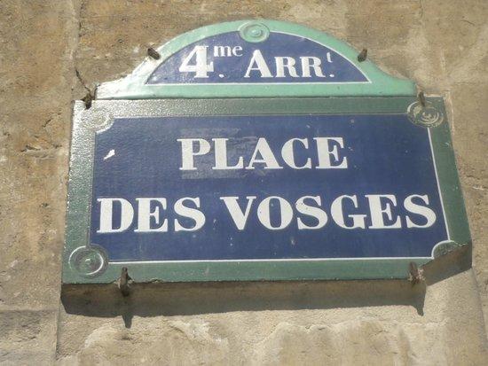 Place des Vosges : Hermosa Plaza!! Visítenla!!
