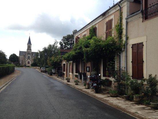 Gournay, France: La façade du restaurant