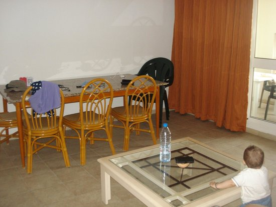 Residence le Corail : salle a manger