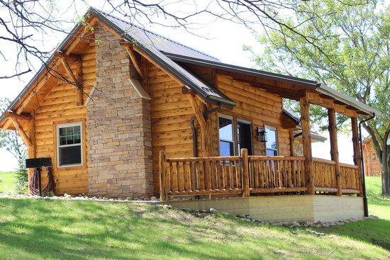 Amish Country Lodging: Dogwood Log Cabin