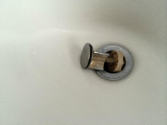Savoy Hotel: mould hairs and scum found in the suites bathroom sink
