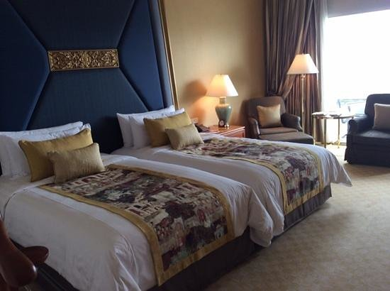 Shangri-La Hotel,Bangkok : our room in Krugthep wing