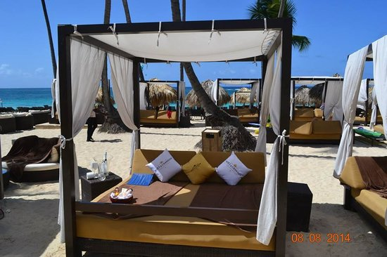 Royalton Punta Cana Resort & Casino: LUXURY BEDS FOR DIAMOND CLUBN STAY