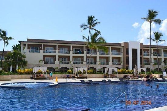 Royalton Punta Cana Resort & Casino: BLOCK 2 WHERE WE STAYED CORNER ROOM TOP FLOOR