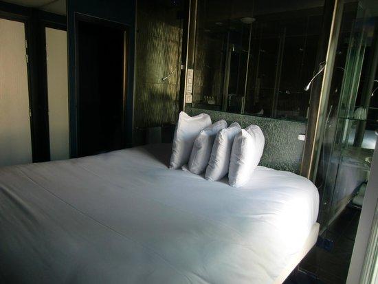 Seven Hotel Paris: Claridad con las ventanas abiertas
