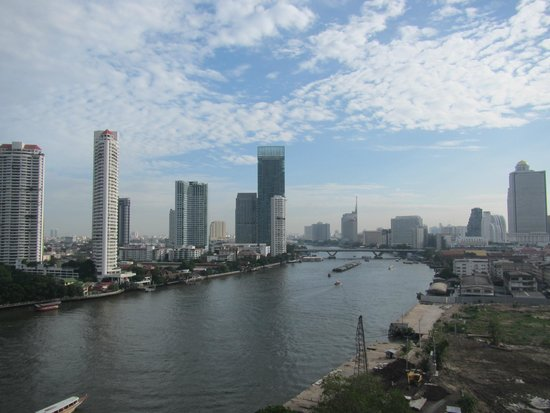 Chatrium Hotel Riverside Bangkok: View from our room on the 13th floor