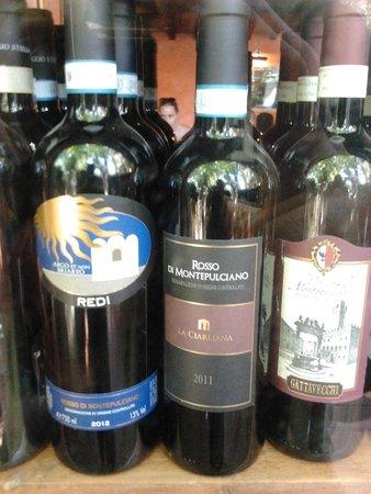Ristorante La Parata: particolare dei vini
