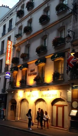 Left Bank Saint Germain : Outside night view of our charming boutique hotel