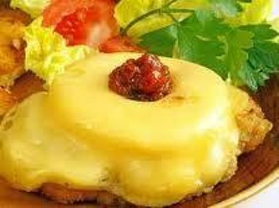Cafe del Art: Middle Europe Style Chicken Fillet with Pineapple under melted cheddar
