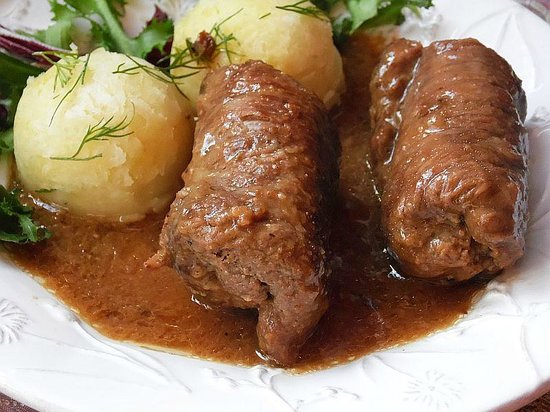 Cafe del Art: Middle Europe Style Beef Roulade stuffed with shallots, gherkins, mustard with dark red wine sau