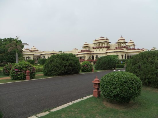 Rambagh Palace: Our first glimpse on arrival
