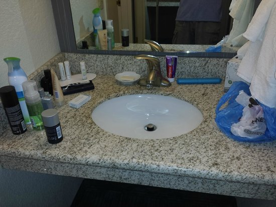 Courtyard by Marriott Princeton: Sink