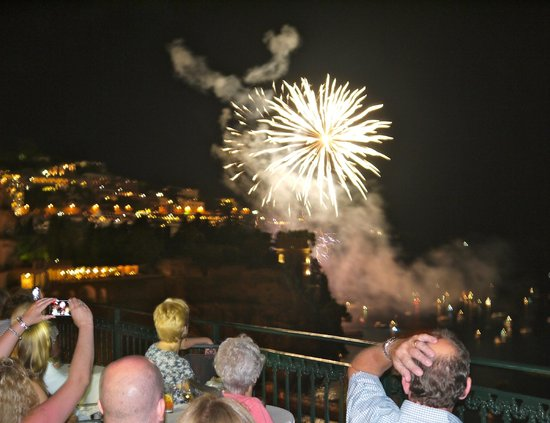 Imperial Hotel Tramontano: Fireworks were seen from the veranda where evening diners could take a drink