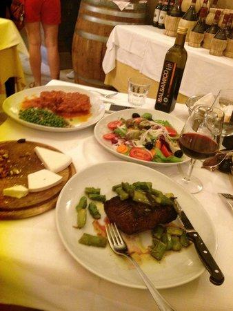 Antica Trattoria da Tito: Beef fillet and osso bucco