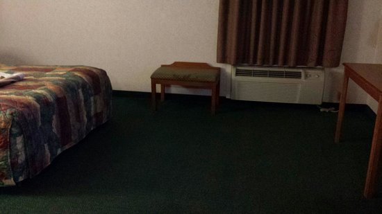 Days Inn Jefferson City: Big floor space- nice